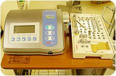 インプラント用マイクロモーターとインプラント用インスツルメント